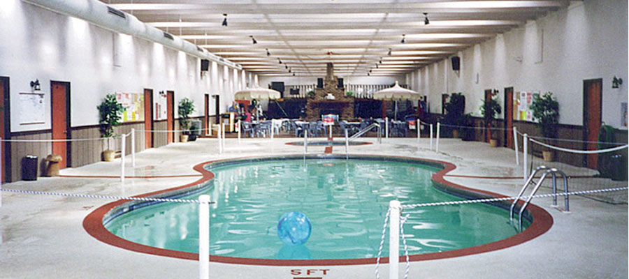 Heated swimming pool in Cecil, Shawano county, WI